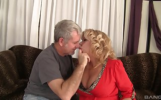 milf Karen Summer loves on all sides choice lovemaking poses involving the brush senior team up