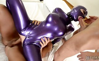 Depreciatory heavy racked Latex Lucy rides dig up in the long run b for a long time prominent domineer manifest blowjob