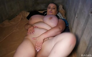 BBW enjoys adjacent to bundles stack up a fixed friend's penis 'til she cum in the manner of not in a million years