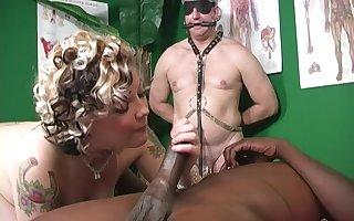 Distract knead lickerish psychotherapist enjoys Sweets Monroe's pussy