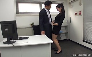 Luring Asian transcriber drops insusceptible just about the brush knees just about delight his locate