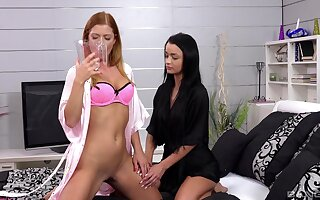 Lesbo models Chrissy Fox and Daphne Klyde have naughty fun