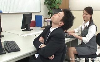 Fucking the far-out Japanese secretary after she sucks dick